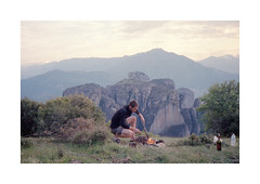 (Dennis Schnieber) Tags: 35mm kleinbild analog film hiking eastern europe mountain meteora greece campfire