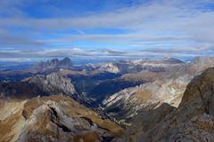 verso ovest (Tabboz) Tags: montagna dolomiti vianormale roccia panorama vetta cima croce marmolada salita sentiero ghiaione corda discesa cordadoppia