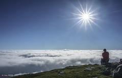 Meditación (Jabi Artaraz) Tags: jabiartaraz jartaraz zb euskoflickr meditación aldamin gorbea niebla contraluz sun sol sunrise sunset nature naturesfinest naturaleza