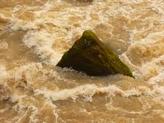 Spitzfelsen (Jörg Paul Kaspari) Tags: irrel irrelerwasserfälle hochwasser dezember 2017 winter flus prüm naturpark südeifel eifel getöse felsen rock spitzfelsen