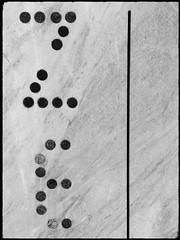 Treffen (Harald Reichmann) Tags: kärnten treffen krastal steinbruch stein kunst kunstwerk bearbeitung muster anordnung linie rille kreis code information botschaft