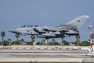 Royal Air Force --- Panavia Tornado GR4 --- ZA370