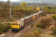 Canabal (REGFA251013) Tags: 269035 6935 locomotora citroen galicia vigo coches train comboio renfe mitsubishi adif