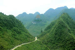hagiang - amazing street in mountainous
