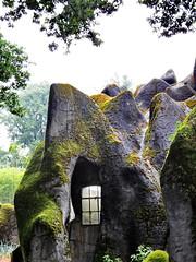 mancave? (Mattijsje) Tags: zoo burgersbush dierentuin cave grot rots rock window