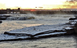 Chaudière Falls, in the middle of the Ottawa River; late autumn; late afternoon