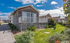 8/49 Seaside Circuit, Caves Beach NSW