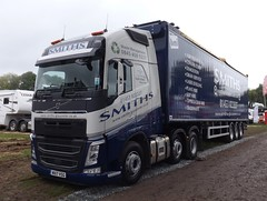 Smiths waste management WX17 VSG at Oswestry truck show (Joshhowells27) Tags: lorry truck volvo fh gloucester smiths