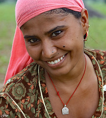 Woman working in a field (India) (Guy World Citizen) Tags: woman worker field rural india ngc