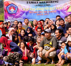 "Family Gathering Sakuntala 40 thn • <a style=""font-size:0.8em;"" href=""http://www.flickr.com/photos/24767572@N00/24605962208/"" target=""_blank"">View on Flickr</a>"