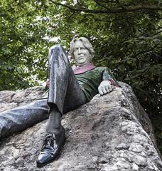 Oscar Wilde (monilague) Tags: rpublique irlande ireland republic irish éire dublin oscar wilde autobus bus church stpatrick bibliothèquetrinity cheurc monastère clonmacnoise ciel sky nuage cloud