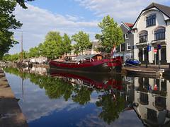 Heerengracht (andzwe) Tags: meppel heerengracht dutch canal nederland netherlands reflection reflectie ships boats classic panasonicdmcgh4
