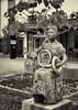 Bad Mergentheim. Die Dame mit dem Horn. The Lady with the Frenchhorn. (wwwuppertal) Tags: badmergentheim franken badenwürttemberg taubertal kurpark skulptur sculpture damemithorn ladywithfrenchhorn