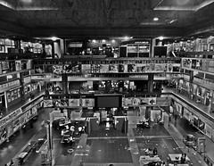 Luces de la ciudad (universitaria) (Litswds) Tags: fadu uba ciudad universitaria university argentina architecture arquitectura diseño urbanismo viaje edificio hormigon travel trip b y w black white light negro blanco noctis darks facultad city