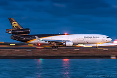 N250UP United Parcel Service (UPS) McDonnell Douglas MD-11F SYD/YSSY 12/11/2017 (TonyJ86) Tags: n520up unitedparcelservice ups mcdonnelldouglas md11 md11f trijet triholer aircraft aviation airliner airplane aeroplane plane cargo freight freighter jet jetliner jetaircraft jetplane international departure flight fly airport syd yssy sydneyairport sydneykingsfordsmith sydney nsw newsouthwales australia planespotting avporn aviationporn avgeek travel nikon d750 nikond750 vehicle outdoor water beach aviationphotography nikkor70200mmf28vrii lowlight panshot pan beacon afterdark reflection 5xups