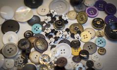 Gammal knappsamling. (My Photolifestyle) Tags: fs171119 samling fotosondag knappar