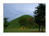 Un cimetière au crépuscule / Gyeongju - Corée (PtiteArvine) Tags: daereungwon crépuscule vert tombesroyales tumuli gyeongju coréedusud tranquilité arbres