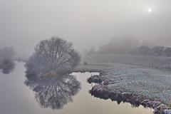 Sonnenuntergang über der Aller (.rog3r1) Tags: canon 6d verden aller fog mist nebel 2470