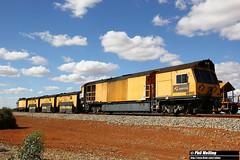 18 November 2017 Rail Grinder MMY032 Bell (RailWA) Tags: railwa philmelling aurizon midwest rail grinder mmy032 bell