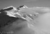 Incontri mistici (bn) (EmozionInUnClick - l'Avventuriero photographer) Tags: sibillini blackwhite bn forme montagna neve nuvole