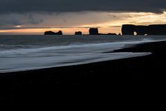 Plage de sable noir de Reynisfjara (mgirard011) Tags: islande is