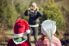 Say Santa! (matthewkaz) Tags: madeleine daughter child colton nephew cousin hats christmas dad phone farm christmastreefarm rowancounty morehead kentucky 2017