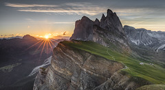 Seceda Sunrise (Frederic Huber | Photography) Tags: 1124 1635 2470 70200 landschaft altoadige canoneos5dsr dolomiten dolomites dreizinnen eos fotodiox frederichuber freearc italia italien italy lagodibraies landscape leefilters photography pragserwildsee seceda seiseralm southtyrol sunrise sunset südtirol wonderpana wwwfrederichubercom