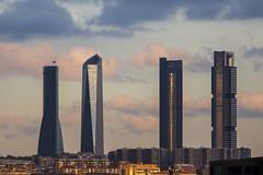 4 Torres (Jose_edit) Tags: geometría minimalismo aire libre abstracto textura arquitectura profundidad de campo rascacielos edificio cielo columna patrón madrid castellana 4 torres silueta ciudad complejo inmobiliario