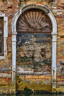 vecchia porta veneziana