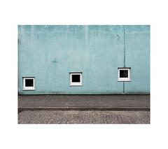 sinking windows (chrisinplymouth) Tags: blue wall window square stonehouse plymouth devon england uk cw69x 2017 urb desx xg