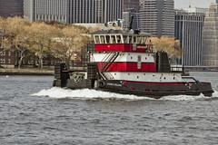 r_171114550_beat0075_a (Mitch Waxman) Tags: citywideferry eastrivershoreline newyorkcity newyorkharbor tugboat newyork