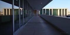 Doppeltes Lottchen (mimo b. rokket) Tags: modernarchitecture modernearchitektur modern architektur architecture pavilhãodeportugal portugal lissabon lisboa linien lines geometrie geometry symmetry symmetrie parquedasnações expo1998 canonefs1018mmf4556isstm
