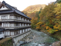 201710307 Minakami (taigatrommelchen) Tags: 20171043 japan minakami river mountains building explore
