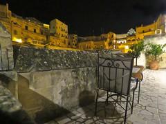 Rinconcito para compartir la frescura de la noche (Bonsailara1) Tags: bonsailara1 matera basilicata italia italy nocturno nightshot oldcity unesco world heritage