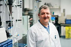 Graeme Millar (QUT Science and Engineering Faculty) Tags: couperthwaite cpme qut sara graeme millar chemistry phyics mechanical engineering portrait profile staff analytical environmental management materials physical structural macromolecular science chemical