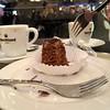 Das kurze Leben der Kleinigkeiten (bornschein) Tags: weihnachtsmarkt indoor gabel espresso café cup city cake food