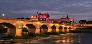 Château Royal d' Amboise , Pont du Maréchal Leclerc