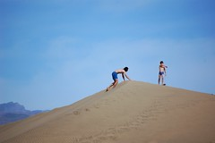DSC_0094 (marcnico27) Tags: 2017 marcnico27 gran canaria maspalomas sky jump dunes outdoor men male beach strand shore blue spain