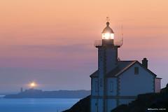 Le Toulinguet (Kambr zu) Tags: crozon erwanach finistère kambrzu merdiroise phare presquile tourism bretagne ciel landescape lanterne coucherdusoleil lighthouse paysagesmythiques plougonvelin saintmathieu sea seascape ach camaret s