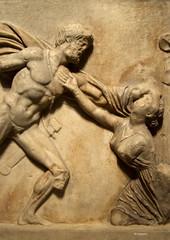 fighting the amazons (wsrmatre) Tags: greek grec griego antigüedad antiquité antiquity greece grèce grecia wsrmatre ericlopezcontini wsrmatrephotography museum museo musée caixaforum escultura sculpture art arte
