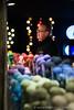 Sfeervolle kramen op de kerstmarkt in Leuven (yvesrecour) Tags: belgië kerst kerstmarkt kraam leuven licht man markt sfeer warmte