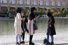 Un vendredi à Esfahan - Friday in Esfahan (nosferatu76000) Tags: iran isfahan ispahan people enfant architecture ville palais place sourire
