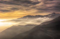 l'Autunno #13 (Roberto Defilippi) Tags: 2017 942017 nikond7100 nikkor2470mmf28 autunno autumn montagna mountain piemonte fog landscape