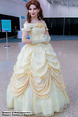 2017-10-27-LACC-72 (Robert T Photography) Tags: roberttorres robertt robert torres roberttphotography serrota serrotatauren canon losangelesconventioncenter stanleeslosangelescomiccon stanleeslosangelescomiccon2017 lacc comikaze comikazeexpo comikaze2017 cosplay disney beautyandthebeast belle