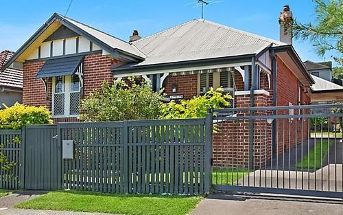9 Swan Street, Cooks Hill NSW