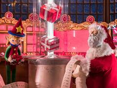"Macy's Holiday Windows - ""Santa"" (Stuart Fujiyama) Tags: illinois chicago loop north state street macys holiday windows"