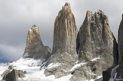 Les Torres dans leur grande splendeur (Rosca75) Tags: mountain mountains lastorres snow landscape landscapes beautifullandscape patagonia torresdelpaine chile chili nature wildnature hike bagpack