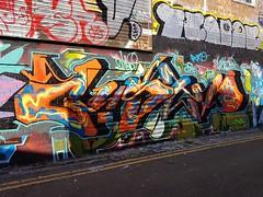 GUSTO (Stueydude) Tags: brighton graff graffiti burner wallart streetart art mural piece silver dub throwup brightongraff brightongraffiti graffporn graffitiporn