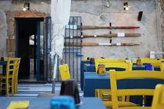 Marzameni (Letizia Misino) Tags: siracusa marzamemi sicilia sicily italia italy colors colours colori ristorante mare pescatori remi sfocato sfuocato canon pancake street strada
