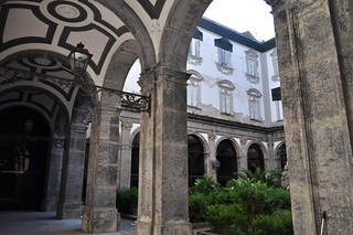 Grand cloître, Conservatoire San Pietro a Majella, via dei Tribunali, Naples, Campanie, Italie.